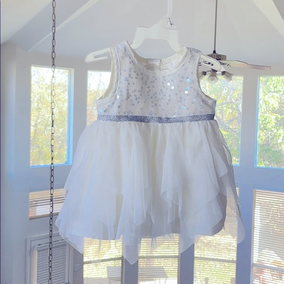 THE CHILDREN'S PLACE White Sequins and Tulle Dress